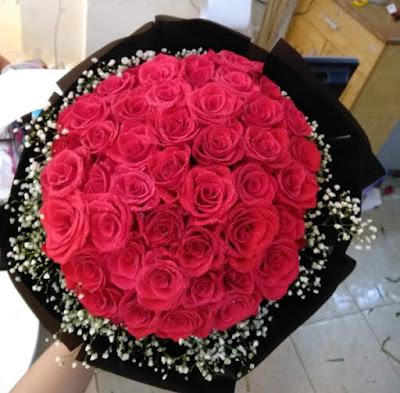 bó hoa sinh nhật màu đỏ