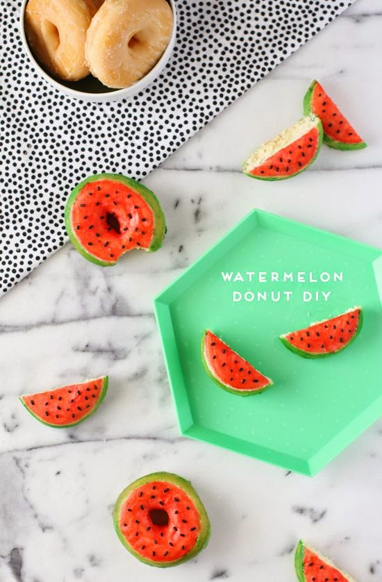 DIY Watermelon Donuts From The Papernstich blog.