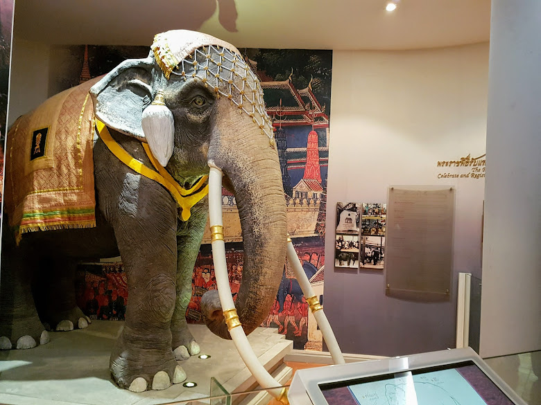 皇家儀式展區,覺得這皇家大象非常帥氣
