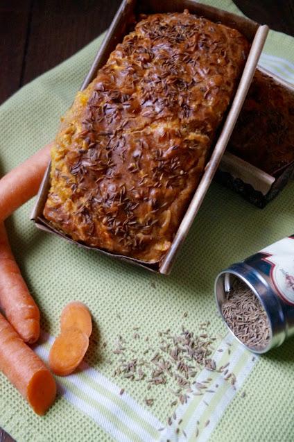 Cake salé aux carottes, cumin et mimolette