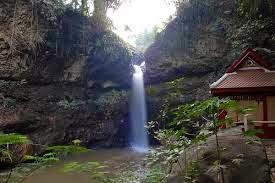 Tempat Hiking Bandung yang Menantang