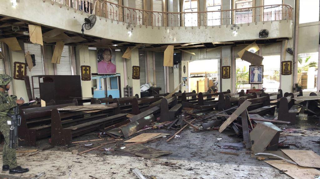 Atentado musulmán mató al menos a 20 personas en Nuestra Señora del Monte Carmelo / AP