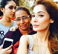 Sara Khan Family Husband Son Daughter Father Mother Age Height Biography Profile Wedding Photos