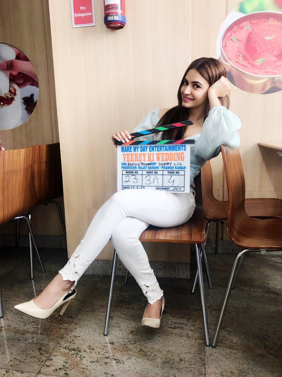 Actress KritiKharbandha Latest HD Images