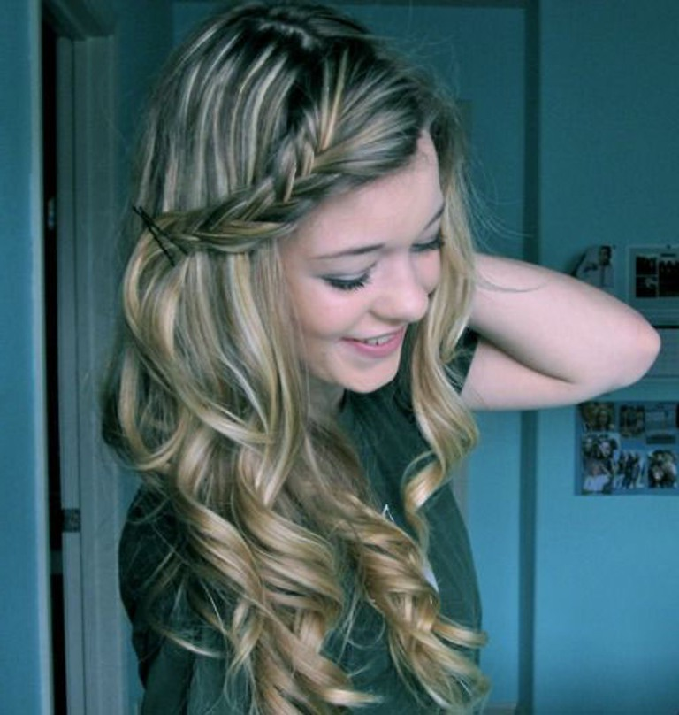 simple hair style for curly hair 56 hairstyles for the girly in you hairstylo 2943