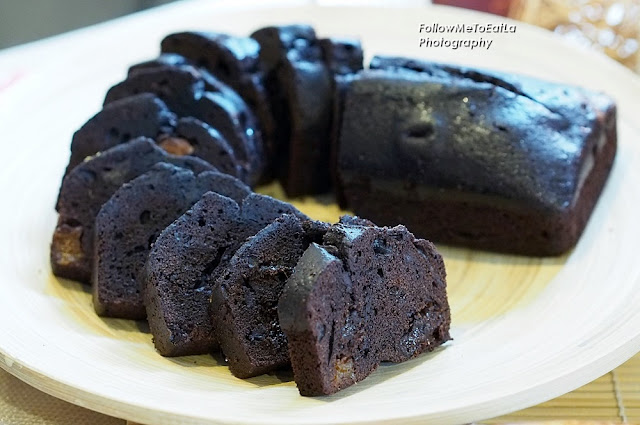 Chocolate Prune Travel Cake