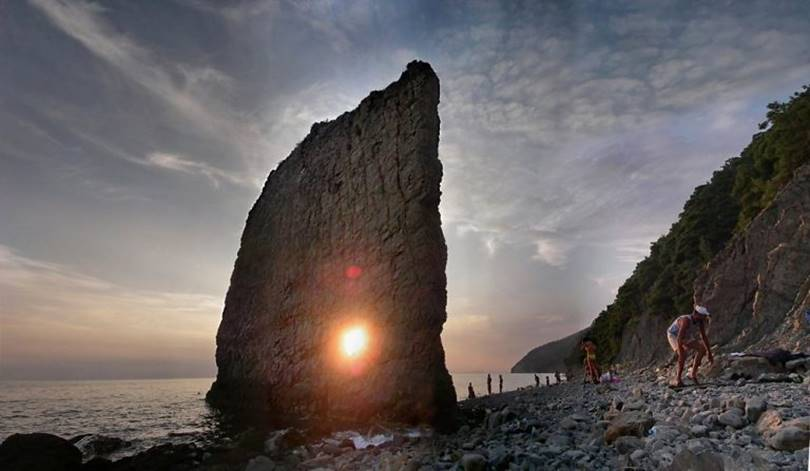 Skala-Parus — Sail Rock, A Natural Monument in the Black Sea
