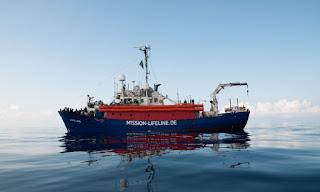 International: Migrants, le navire humanitaire Lifeline est arrivé dans le port de La Valette à Malte