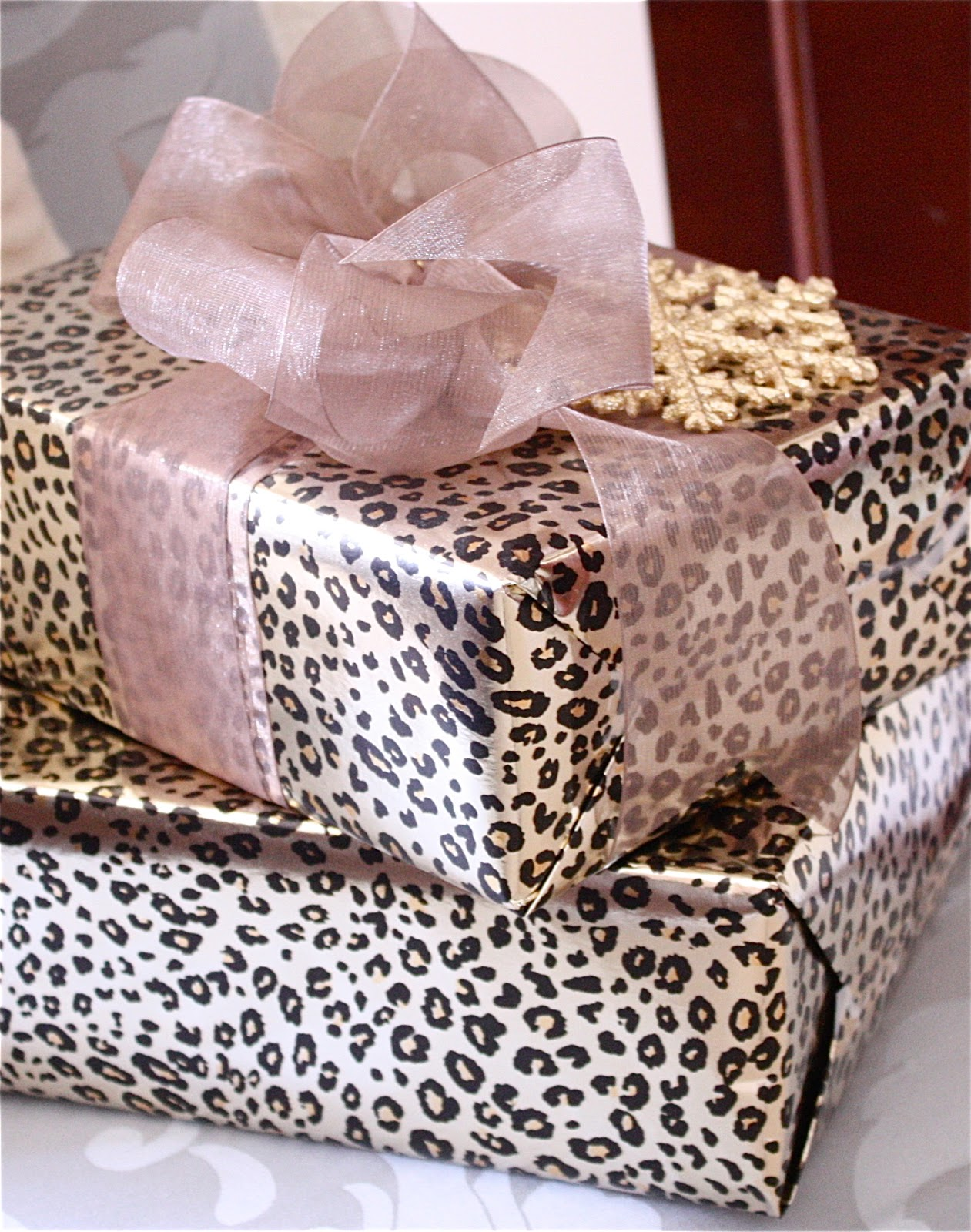 The Yellow Cape Cod Easy Custom Gift Wrap Solution