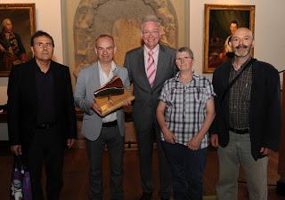 De Izquierda a derecha: Javier Dueso (AMTS), award winner Mark Wagenbuur, alderman Geert Snijders, Vitoria Gracia (AMTS) and Jesús Sukuntza (AMTS and artist).