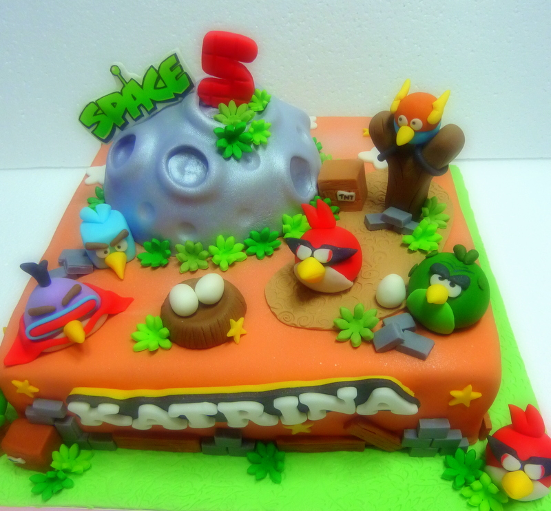 The Sensational Cakes: SPACE Angry Birds Cake Singapore