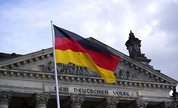 DW: Κερδίζει όντως η Γερμανία από την ελληνική κρίση;