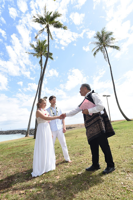 Oahu Officiant