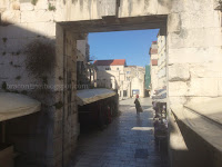 prazan grad Split slike otok Brač Online