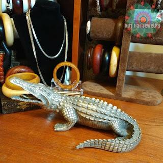 tượng cá sấu bằng đồng
