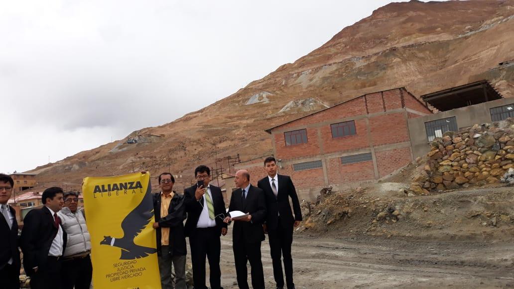 Los fundadores de Alianza Liberal en el Cerro Rico de Potosí / ALIANZA LIBERAL