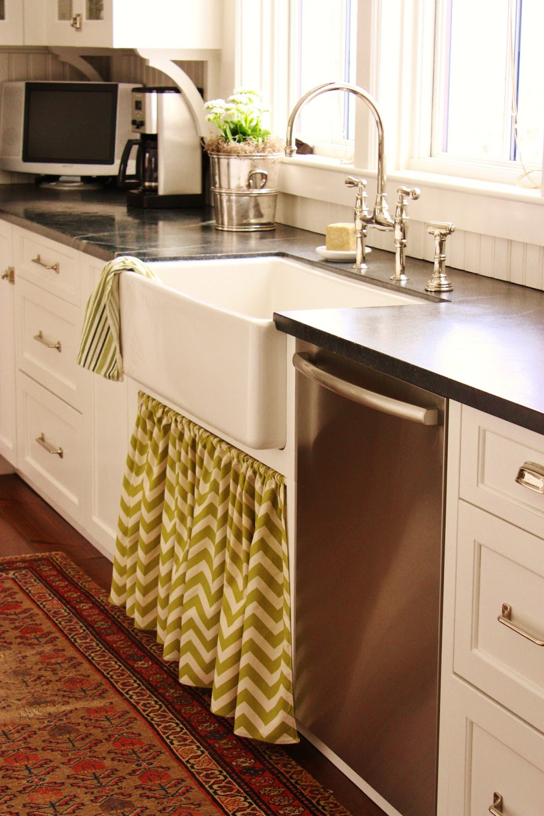 For The Love Of A House: A New Kitchen Skirt For Spring