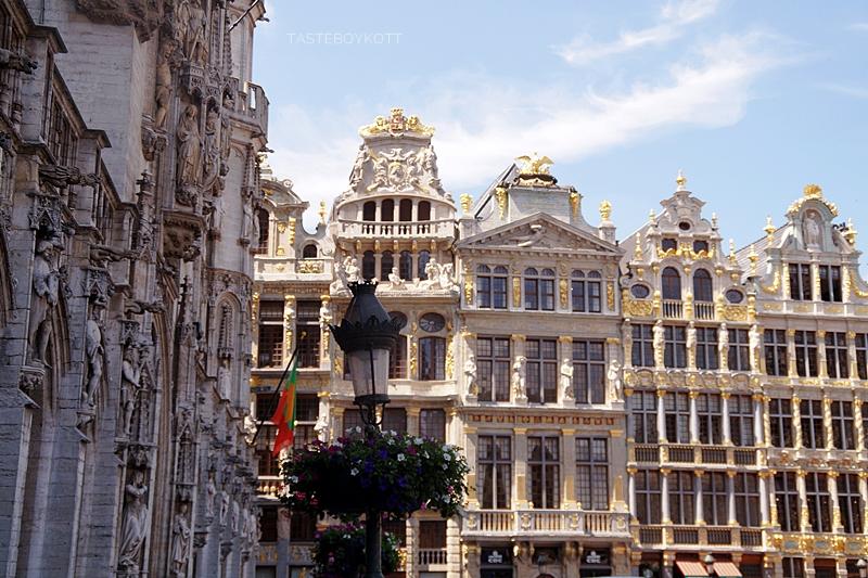 Grande Place Brussels in summer // Brüsseler Grande Place im Sommer | Interrail-Reise Juli 2017 | Tasteboykott
