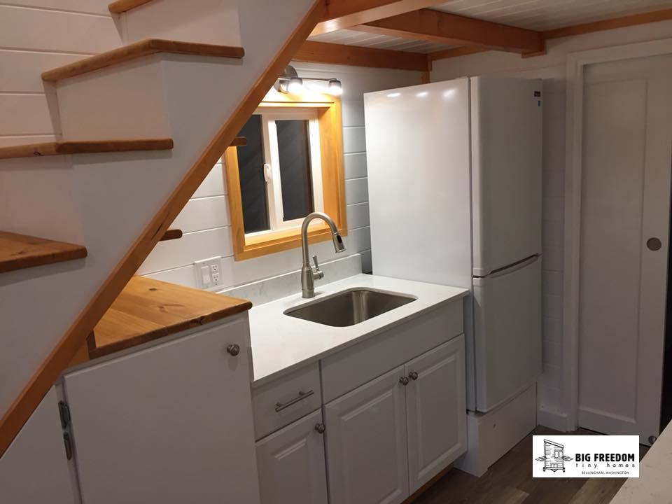 TINY HOUSE TOWN: Barn-Style Big Freedom Tiny House