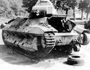 O carro de combate FCM-36