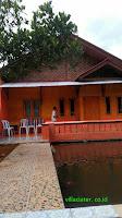 villa yang ada kolam renang di ciater