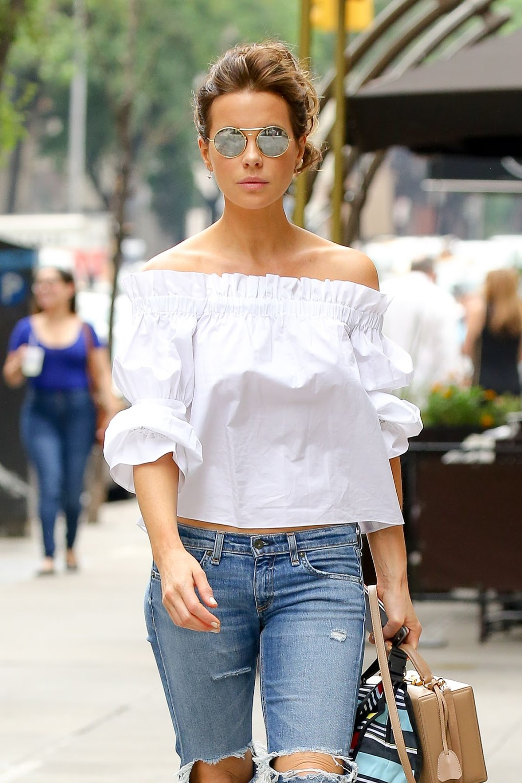 Kate Beckinsale In Ripped Jeans Out In New York City