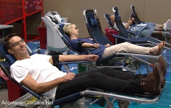 Cristianos donando sangre