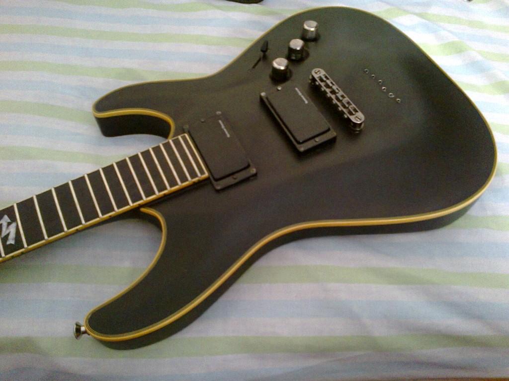 active v s passive pickups guitar dreamer. Black Bedroom Furniture Sets. Home Design Ideas