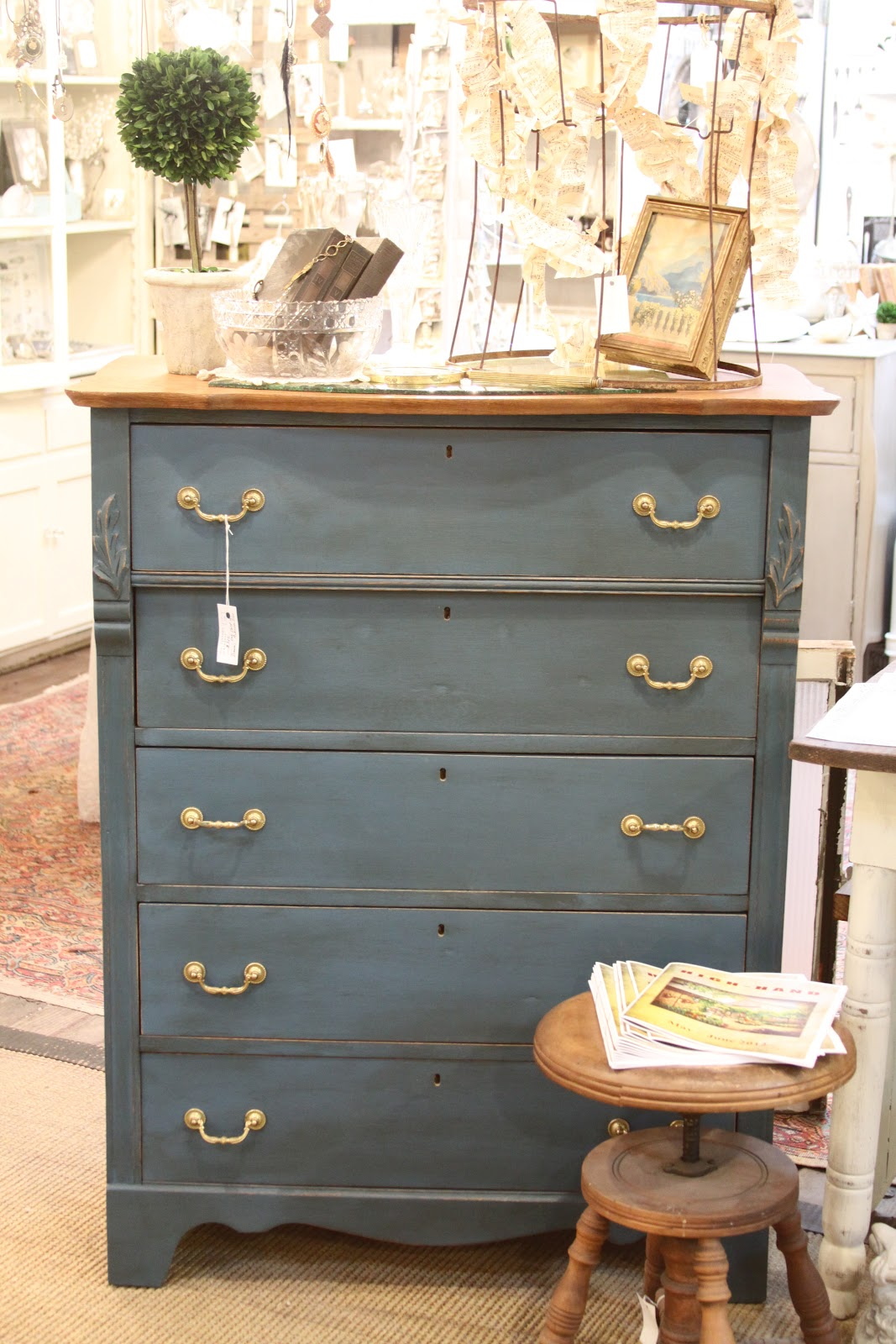 the vintage bricoleur: Annie Sloan Chalk Paint and The ...