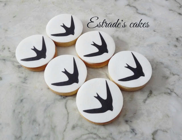 galletas de un vencejo decoradas con papel comestible 3
