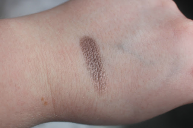 Swatch of the UD eyeshadow in Bust from the Urban Decay Goodie Bag