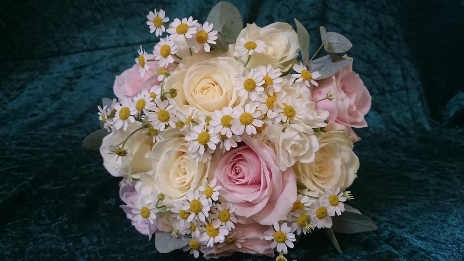 Sandras Flower Studio Peony Rose And Daisy Wedding Flowers