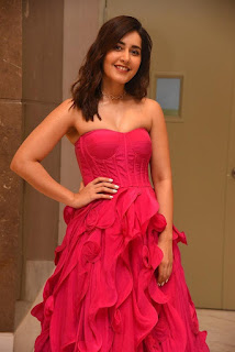 Indian Actress Rashi Khanna at Prathi Roju Pandage Movie Function (3)