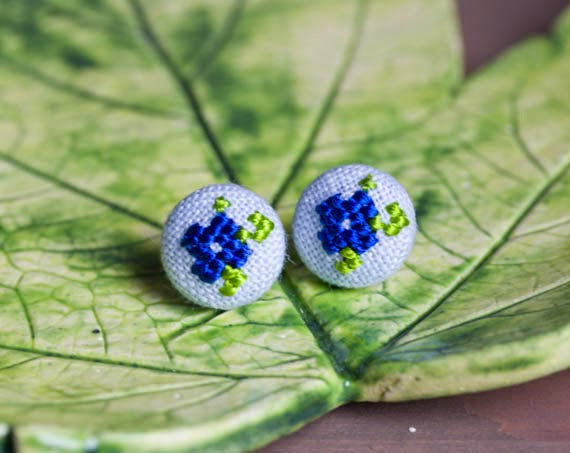 Cross stitch earrings, embroidered jewelry, embroidered earrings, Ukrainian jewelry, Ukrainian motifs, Ukrainian embroidery