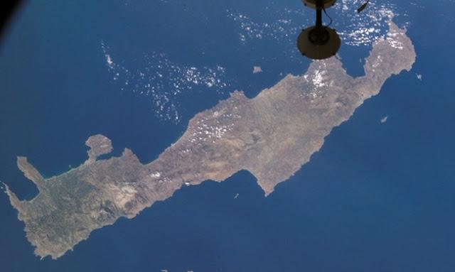 """Αποτέλεσμα εικόνας για Η Κρήτη μετατρέπεται σε γκρίζα ζώνη με τη μεταφορά """"προσφύγων"""