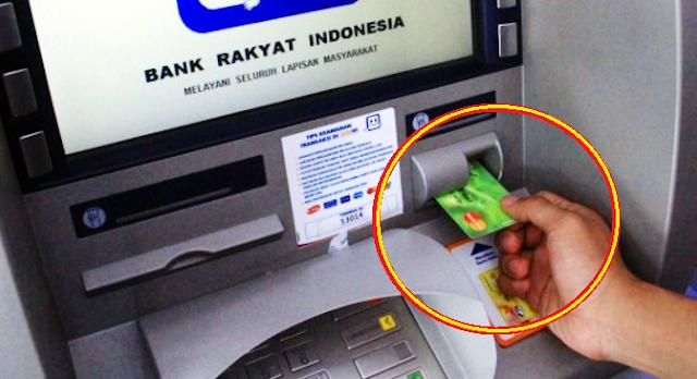 Bapak Ini Hampir Saja Tertipu Di ATM, Tolong Sebarkan, Jangan Sampai Ada Yang Ketipu!