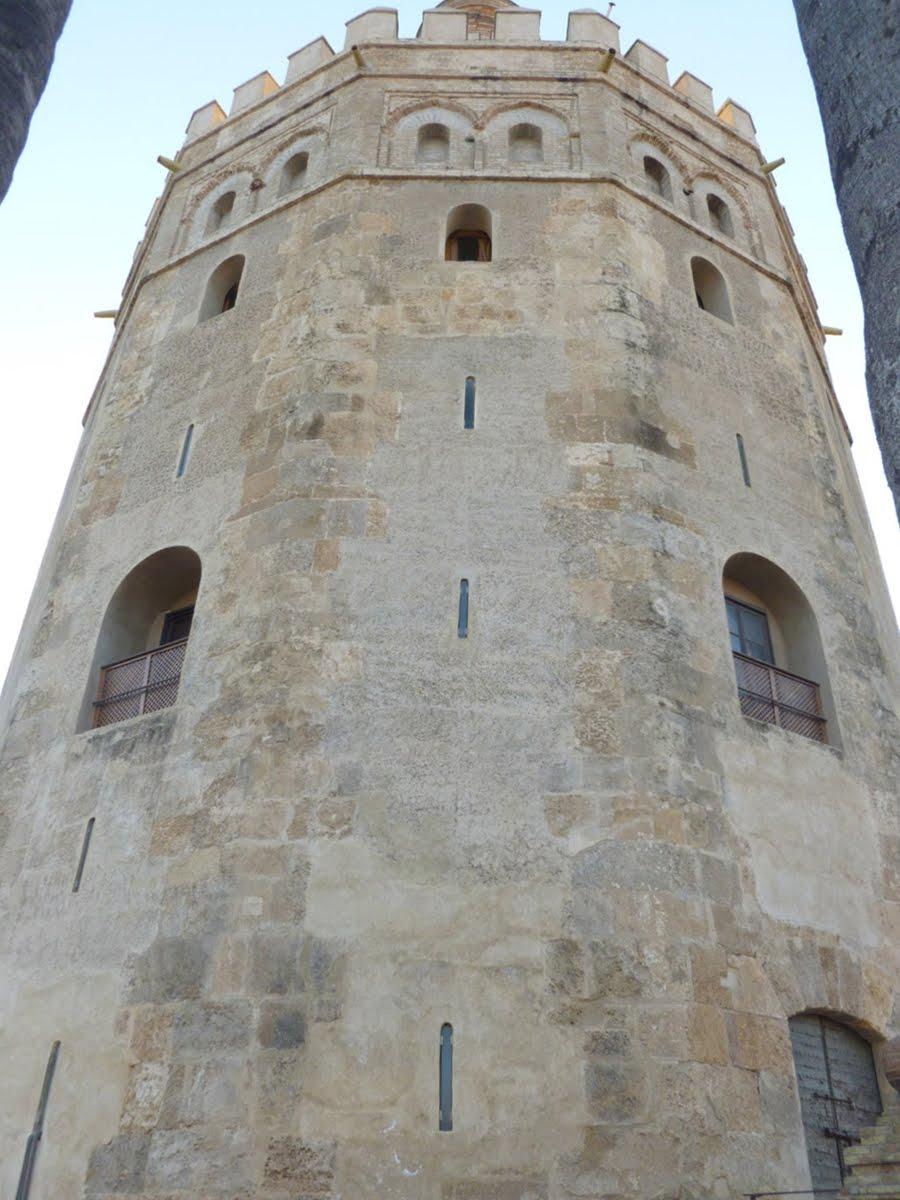 Edificios De Sevilla Torre Del Oro