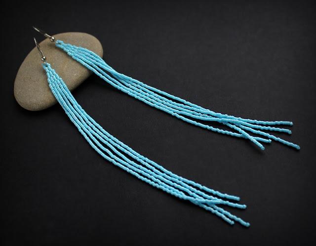 Купить длинные голубые сережки до плеч. Украшения из бисера интернет магазин