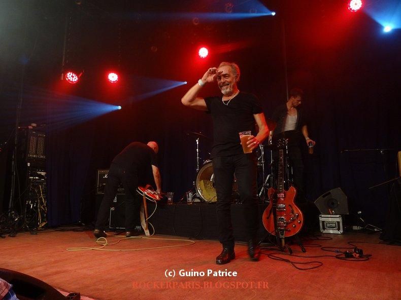Rockerparis avant premi re rock 39 n roll of corse for Divan singer