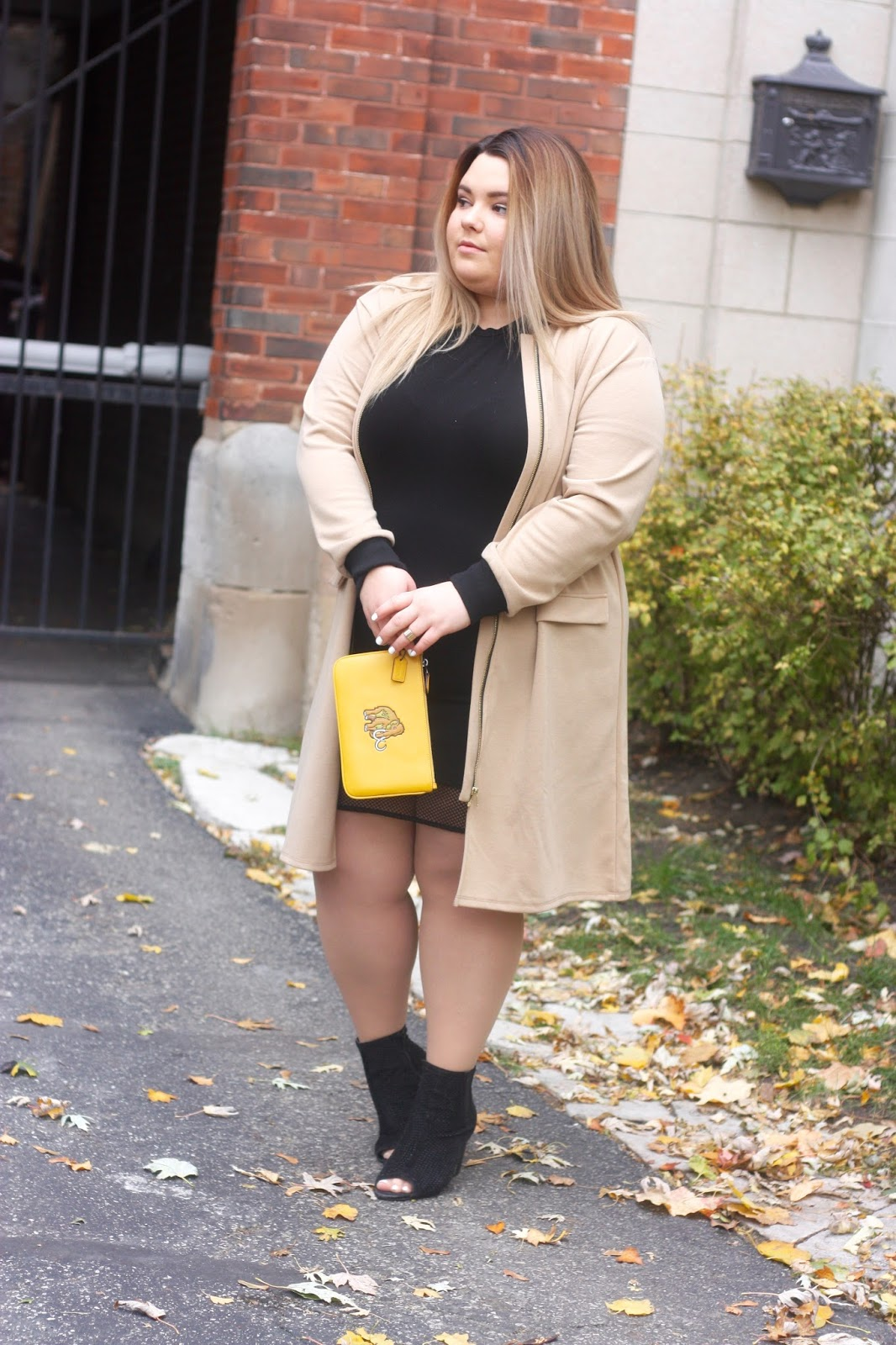 plus size fashion, natalie craig, natalie in the city, pink clove, longline bomber, nude bomber, oversized, jordyn woods, fashion blogger, chicago, natalie in the city, coach, rexy, woolly mammoth, kardashian style, fall 2016 trends, chicago blogger, midwest