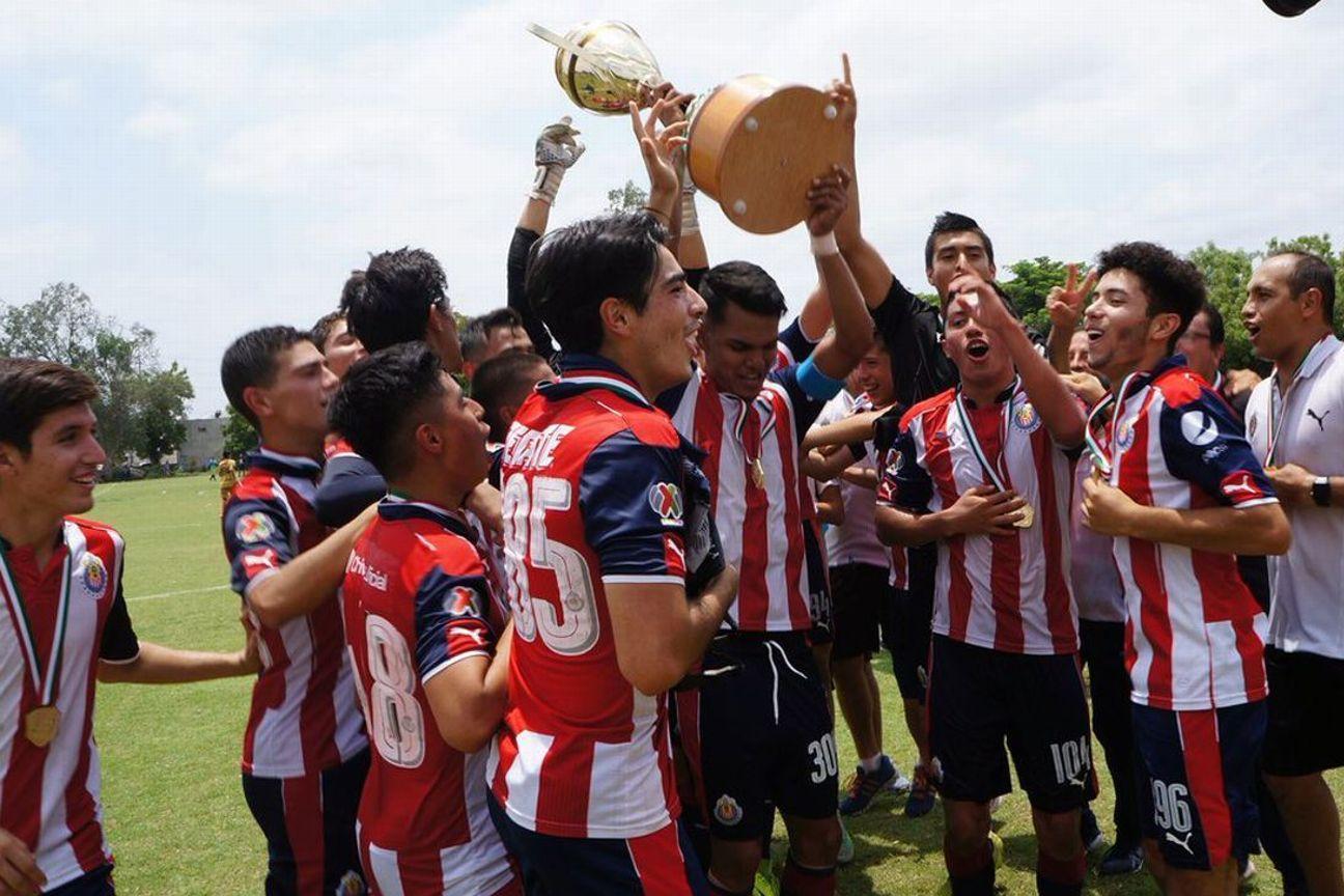 Guadalajara derrotó 4-0 a Dorados de Sinaloa.