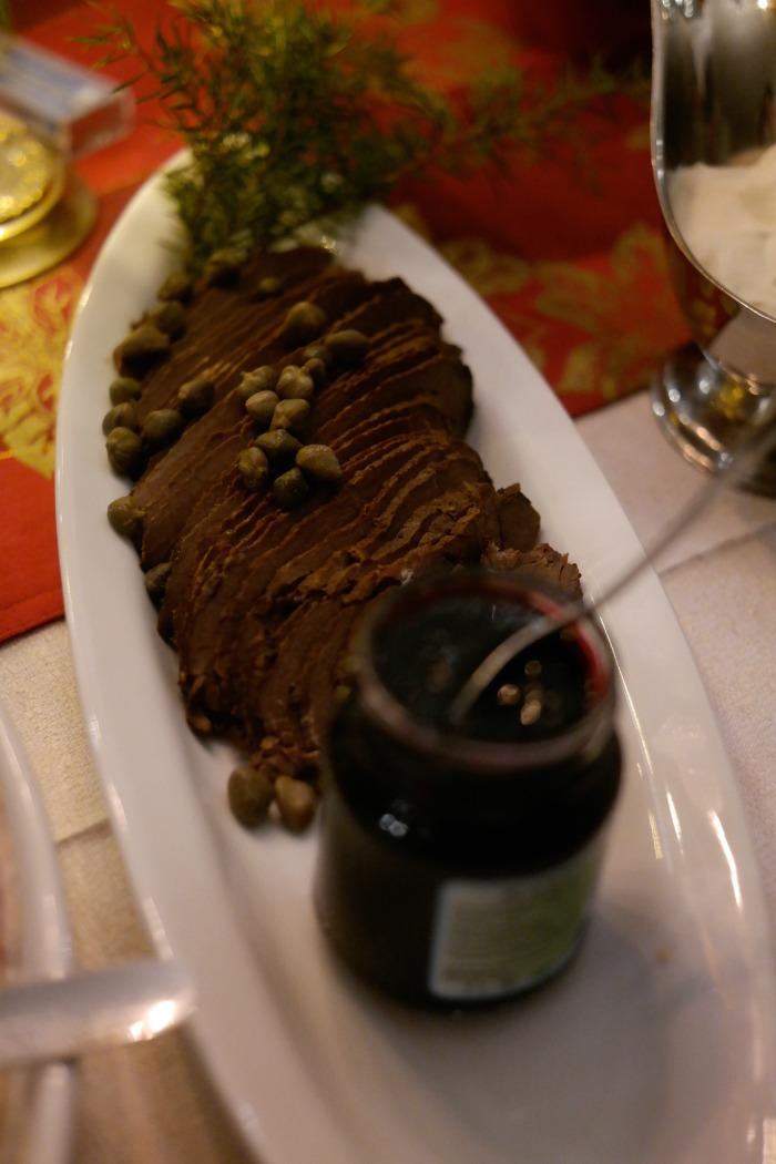 Paistia ja viinimarjahyytelöä