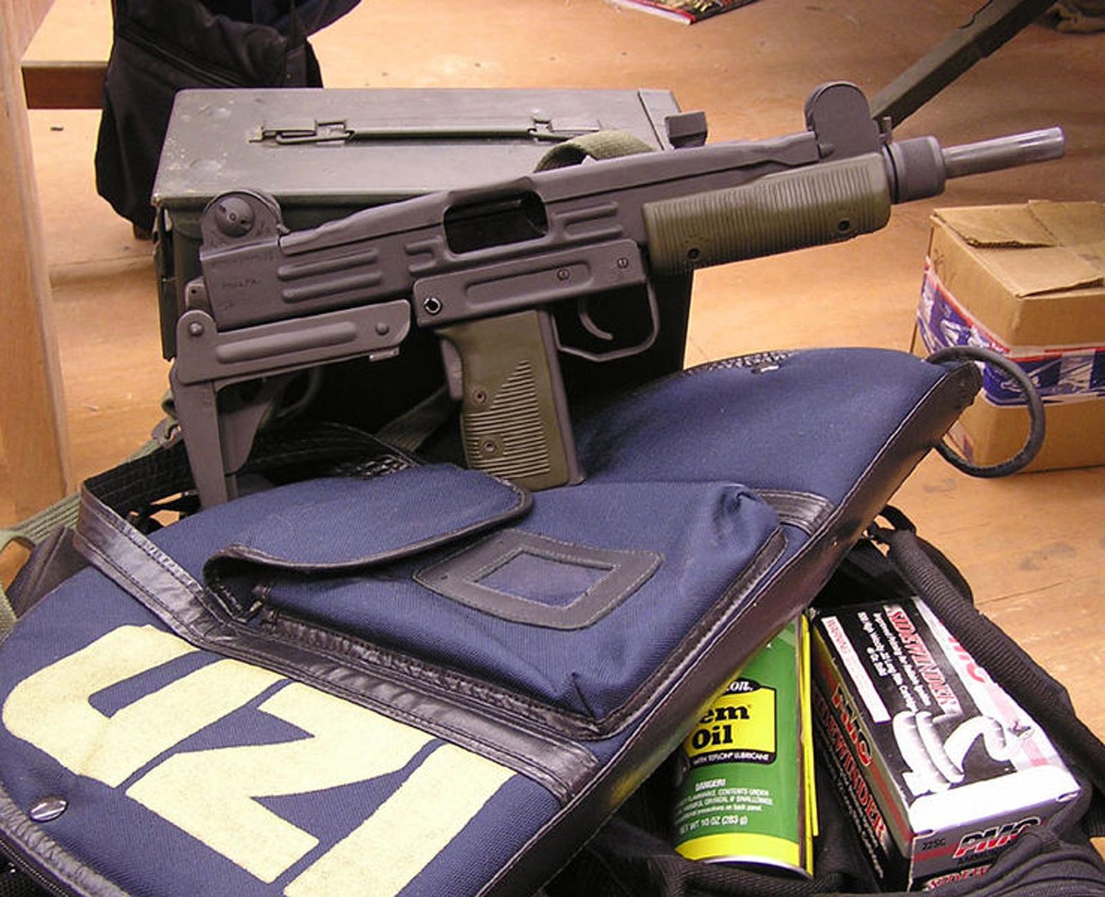 Wallbase Hd Wallpapers Pro Uzi Imi Machine Guns Hd Wallpapers Military Wallbase