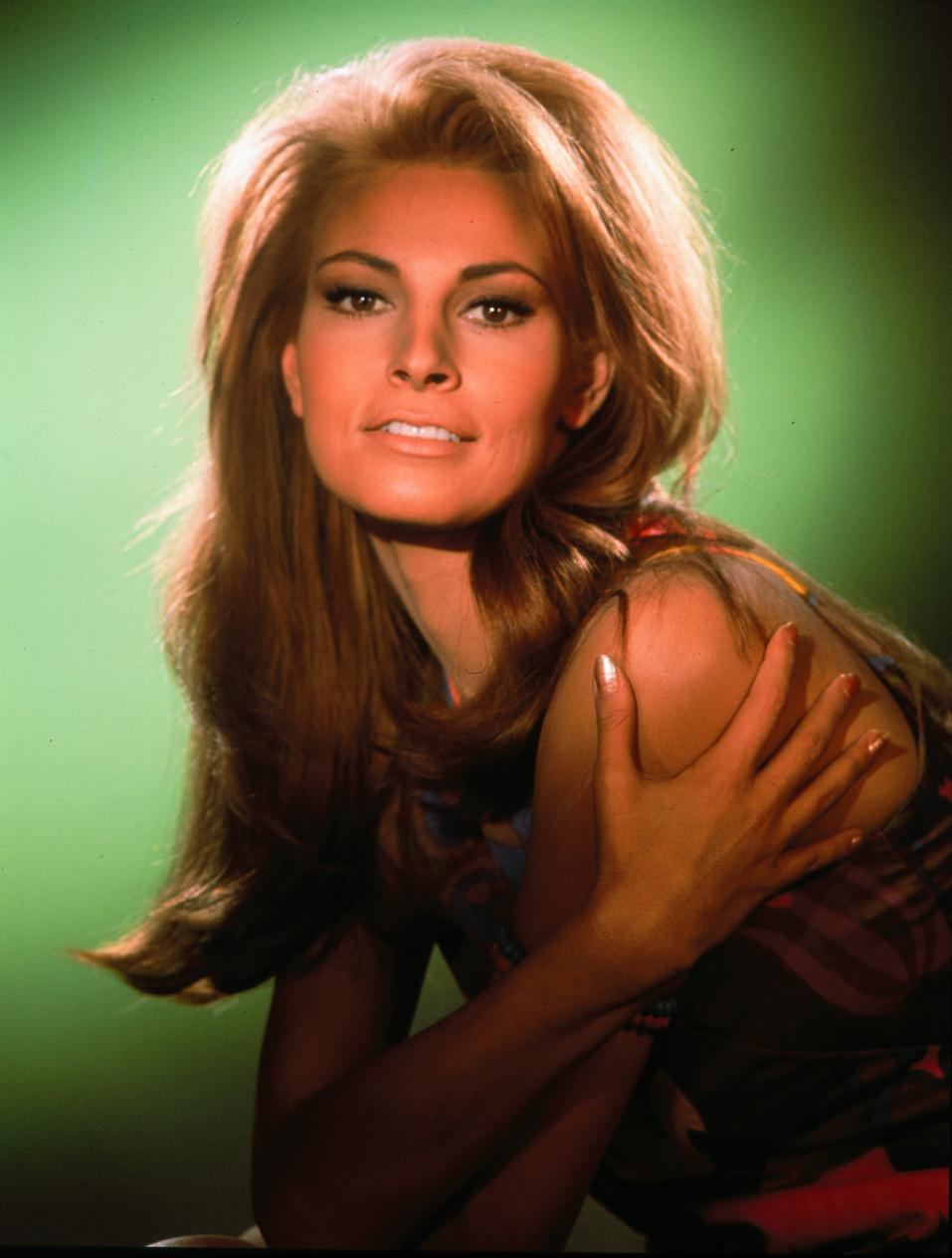 Love Those Classic Movies In Pictures Raquel Welch