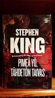 http://villasukkakirjahyllyssa.blogspot.fi/2016/01/stephen-king-pimea-yo-tahdeton-taivas.html