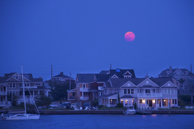 Pink-moon-in-the-month-of-may