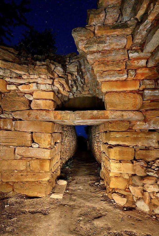 Οι Αρχαιολογικοί Χώροι των Κρητομινωιτών στο Αιγαίο