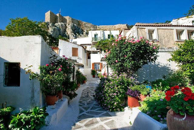 las callejuelas de Anafiótika en Atenas, Grecia