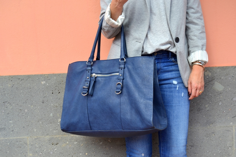 outfit-shopping-bag