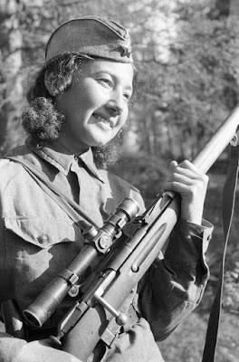 Las mujeres francotiradoras soviéticas Uploads_2016_7_26_femalesnipers_10